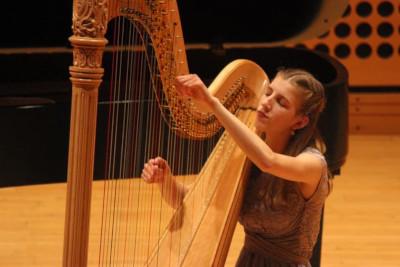 Bethany Caswell (harp)